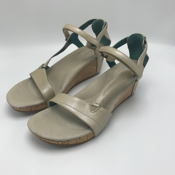 56f10bcc9621 TEVA Capri Leather Cork Wedge Sandals Ivory